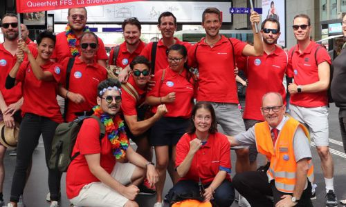 Des collaborateurs des CFF à la Zurich Pride 2018.